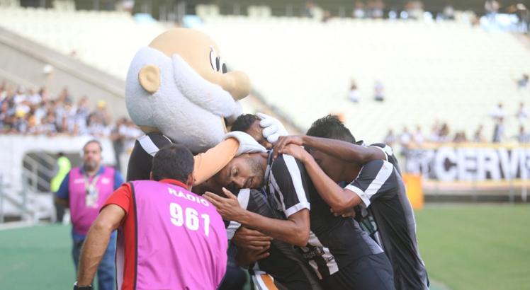 Com gols de Samuel Xavier e Felipe Bexola, o Ceará venceu a equipe do Altos por 2x1. Foto: Mauro Jefferson/cearasc.com