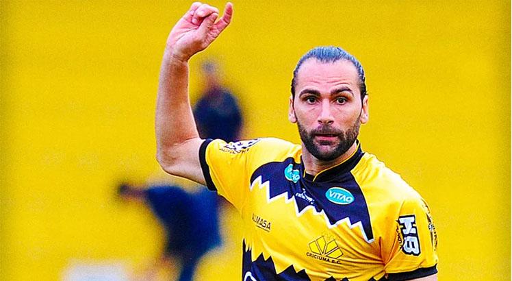Léo Gamalho é um dos reforços anunciados pelas equipes nordestinas. Foto: Caio Marcelo/www.criciuma.com.br
