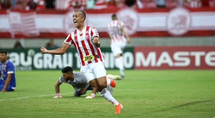 Náutico anuncia lesão de Matheus Carvalho